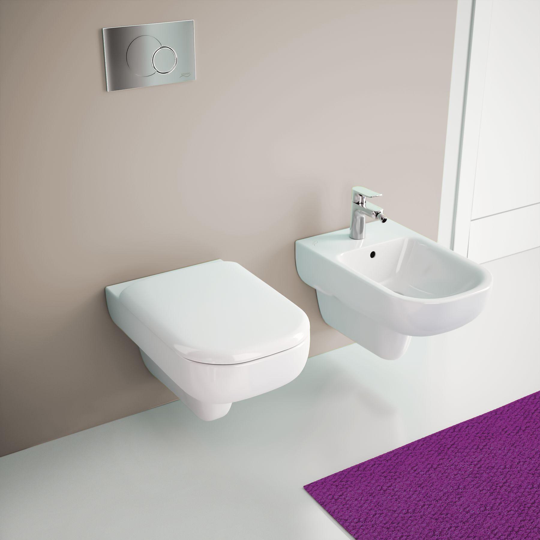 توالت وال هنگ و پیسوار