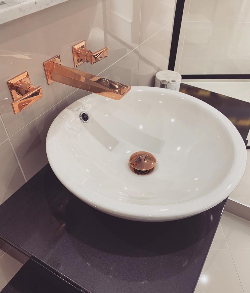 نمونه هایی از زیباترین و مدرن ترین سرویس بهداشتی لوکس و نحوه طراحی آن16